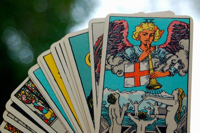 Photo of Lecturas de Tarot en línea: Una manera fácil de recibir Consejos Para El Amor