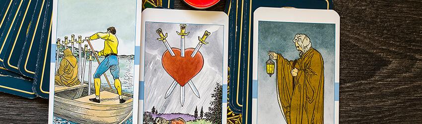 Photo of ¿Solo en el día de San Valentín? Usar el Tarot para Manifestar la Positividad