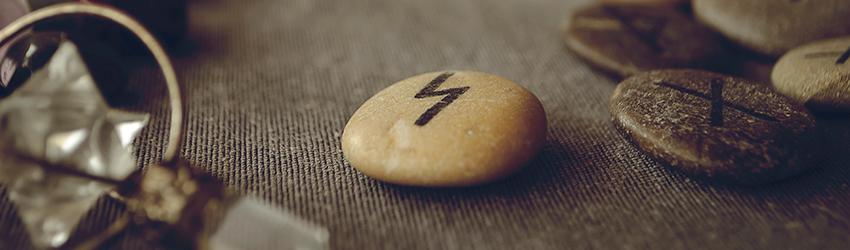 Photo of Cómo usar las piedras rúnicas para las lecturas de amor